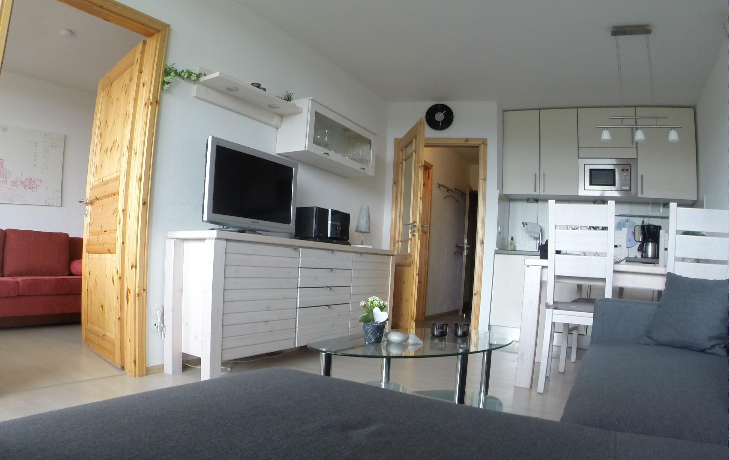 kleines schlafzimmer dachschr ge einrichten. Black Bedroom Furniture Sets. Home Design Ideas